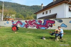 pink dragon street art lyon