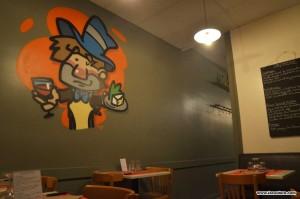 gnafron guignol restaurant lyon graffiti